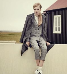 ELITE LONDON: Ruth Bell & May Bell   Urban Outfitters