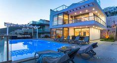 8 kişilk deniz manzaralı kiralık tatil villası kalkan