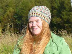 Ravelry: Peerie Flooers pattern by Kate Davies Designs Fair Isle Knitting Patterns, Ravelry, Beanie, Design, Fashion, Hand Crafts, Moda, Fashion Styles, Beanies