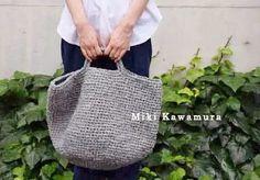 KAWAMURA MIKI SAKIAMI BAG GALLERY :  これまで制作した裂き編みバッグを紹介しています。