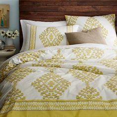 West Elm Organic Mandala Ikat Full/Queen Duvet Cover 2 Standard and 2 Euro Shams Contemporary Duvet Covers, Modern Duvet Covers, Yellow Bedding, Bedding Sets, Ikat Bedding, Yellow Bedrooms, West Elm, Taupe Bedroom, Master Bedroom