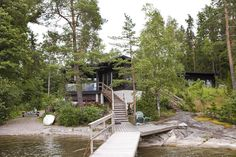 moderni huvila ja saunatupa Decks, Cottage Design, Home Interior Design, Sun Lounger, Countryside, Architecture Design, Beach House, Villa, Cabin