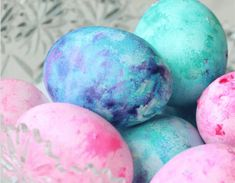 How to Dye Easter Eggs with Cool Whip! Looks Like Fun!!!!