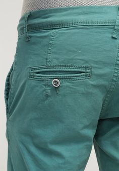 https://www.zalando.co.uk/rum-jungle-panama-chinos-green-rj622e000-m11.html
