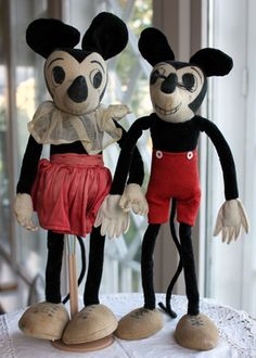 """Antique Mickey Mouse  and Minnie Mouse, 1930's. Collection of the Suomenlinna Toy Museum, Helsinki, Finland. The Mickey  Mouse has teeth,like the """"Dean Rag"""" Mickey from England."""