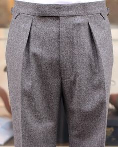 """tweedcs: """" To pleat, or not to pleat, that is the question: We have them both in stock made from a sturdy Hardy Minnis woollen flannel in 14/15 oz… #hardyminnis #bladentailoring #flanneltrousers (på/i Tweed Country Sports) """""""