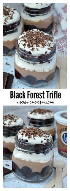 Black Forest Trifle - This Black Forest Trifle recipe is an easy and stunning twist on an elegant chocolate dessert, perfect for holiday dinner parties! {sponsored} #GreekGodsYogurt @greekgodsyogurt