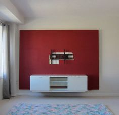 Want to make your bachelor pad look better? Learn how to build a floating wall TV stand in this DIY interior design guide. Floating Tv Stand, Floating Wall, Tv Wall Decor, Game Room Decor, Wall Pannels, Tv Wall Panel, Wall Tv Stand, Tv Wanddekor, Fireplace Tv Wall