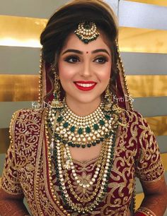Super indian bridal look make up Ideas Indian Wedding Makeup, Indian Wedding Bride, Indian Bridal Outfits, Indian Bridal Hairstyles, Indian Bridal Fashion, Indian Wedding Jewelry, Indian Jewelry, Indian Makeup, Wedding Veils