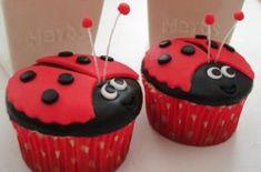 Victoria Threader's ladybird cupcakes - Your birthday cakes Cupcake Recipes, Cupcake Cakes, Snack Recipes, Snacks, Rose Cupcake, Picnic Recipes, Easy Recipes, Ladybug Cakes, Ladybug Party