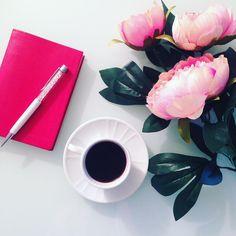 Buongiorno  L'agenda mi attende, ma prima #Caffè ! #goodmorning #coffeetime INSTAGRAM @ellysafashion