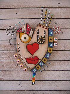 A smile maker. Found Object Art, Found Art, Paper Mache Animals, Paper Mache Crafts, Picasso Art, Deco Originale, Cardboard Art, Assemblage Art, Fish Art