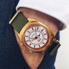 Gents Watches, Wrist Watches, Armani Watches For Men, Nato Strap, Vintage Watches, Gold Watch, Bracelet Watch, Jewels, Bracelets