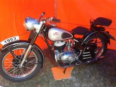 Vintage Motorcycles, Cars And Motorcycles, Vehicles, Old Bikes, Car, Vehicle, Tools