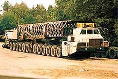 Check out this centipedal monstrosity - perhaps the biggest of Soviet trucks designed to carry ballistic nuclear weapons, also sporting a turbo-jet power. This is 30 meters long, chassis, build in Minsk, Belorus. Heavy Equipment For Sale, Mahindra Tractor, Caterpillar Equipment, Heavy Construction Equipment, Crane Construction, Construction Machines, Tractors For Sale, Big Tractors, Van