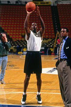 Michael Jordan Pictures, Sport Nutrition, Ultimate Workout, Dapper Gentleman, Workout Attire, Last Dance, Nba Players, Sport T Shirt, Sportswear Brand