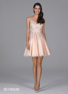 A typical yet gorgeous homecoming dress! Available in 56 colors! Find the perfect one for you! A typical yet gorgeous homecoming dress! Available in 56 colors! Find the perfect one for you! Dama Dresses, Hoco Dresses, Quinceanera Dresses, Homecoming Dresses, Dresses With Sleeves, Summer Dresses, Sexy Dresses, Elegant Dresses, Pretty Dresses