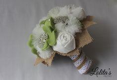 Precioso ramo de novia de tela, de seda, gasa, plumeti y bisuteria de plata. Mas modelos en www.lolitasfieltr... #ramosdenoviadetela #ramosdenoviadebisuteria #bodas #novias #wedding #fashion #ramosdenovia #novia #bouquet #fashion #weddingplannet #love
