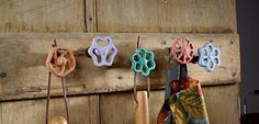 Making clothes hooks yourself: creative DIY ideas for the hallway - Upcycled Home Decor Upcycled Home Decor, Repurposed, Diy Home Decor, Faucet Handles, Towel Hooks, Diy Bathroom Decor, Bathroom Ideas, Diy On A Budget, Interior