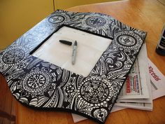 Many years back a new concept of art was introduced which was named as sharpie. Doodle Patterns, Zentangle Patterns, Star Patterns, Sharpie Art Projects, Sharpie Designs, Sharpie Drawings, Picture Frame Decor, Tangle Art, Doodles Zentangles