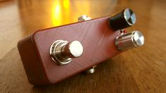 Little bodies, big sounds - the second iteration. The rded version. These small DIY guitar pedals sport one vintage germanium transistor each. Perfect when you need to boost your volume and fatten the tone. They also get overdriven when cranked full open!