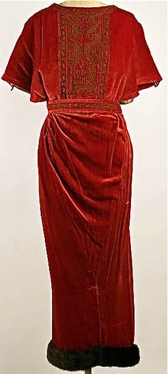 Vitaldi Babani Dinner Dress 1919 They sure liked those heavy materials for dresses in this time period!