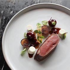 [aged duck] by ・・・ Close Up Wine Recipes, Gourmet Recipes, Cooking Recipes, Food Design, Food Plating Techniques, Michelin Star Food, Food Porn, Western Food, Food Presentation