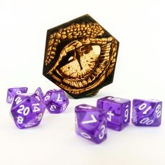 A unique wooden dice box for RPG dice. The drawing of the dragon's eye was made using pyrography. One set of DND dice comes with the box and you choose the color. You can find more photos of this dice case on my Etsy shop. Wooden Jewelry Boxes, Wooden Boxes, Wooden Dice, Dice Box, Custom Electric Guitars, Dragon Eye, Red Felt, Art Nouveau Jewelry, Covered Boxes