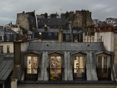 """Out my Window"", la mostra di Gail Albert Halaban a Parigi. Guardate pure dentro. Nessuno vi considererà un voyeur (FOTO)"