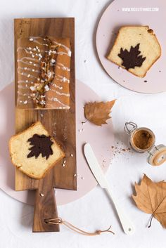 Herbstlicher Apfel-Zimt-Kuchen mit Motiv (Herz, Blatt...)