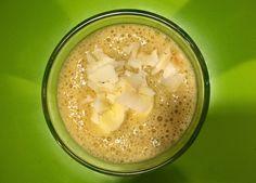 Zielone koktajle: sok z noni + banan + mandarynka + daktyl