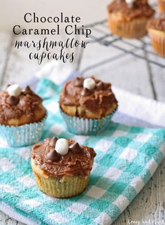 Chocolate caramel chip marshmallow cupcakes is quite a mouthful but every bit of that goodness is packed into these delicious cupcakes. They are cookies in cupcake form! Marshmallow Cupcakes, Carrot Cake Cupcakes, Yummy Cupcakes, Cupcake Cookies, Mini Marshmallows, Best Dessert Recipes, Cupcake Recipes, Easy Desserts, Delicious Desserts