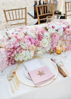 Beach Table Scape in Pink and White, place setting with starfish