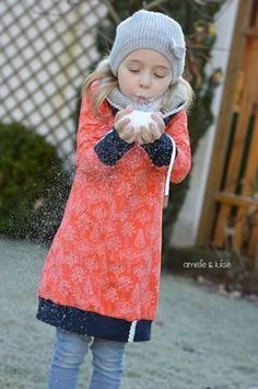 Dress Nike Kids: size What sophisticated looks is in reality a Nähen / to sew Make Your Own Clothes, Diy Clothes, Toddler Fashion, Kids Fashion, Fabric Stamping, Paisley Print Dress, Easy Stitch, Kids Hands, Baby Sewing