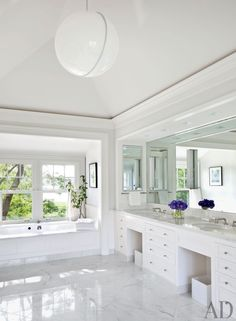 Contemporary Bathroom by Shelton, Mindel & Associates and Robert A.M Stern in East Hampton, New York