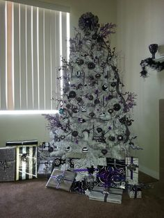 Nightmare Before Christmas tree. Nightmare Before Christmas gift wrap. Nightmare before Christmas wrapping paper.