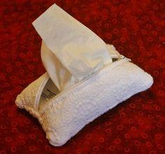Lacy White Zippered Kleenex Pocket Pack Tissue Holder $6