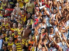 Organizadas de Santa Cruz e Sport são banidas do PE 2012 - Em contrapartida, uniformizadas do Náutico e Salgueiro não terão problemas em frequentar o restante dos jogos do Estadual.