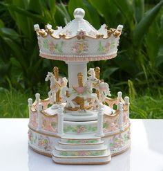 Bo/îte /à musique en bois carrousel man/ège en bois pour enfants Jouets anniversaires de mariage cadeau Wind-Up Horse Fairground bo/îte musicale
