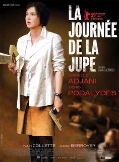 """Sonia est professeur de français dans un collège """"difficile"""". Confrontée à la difficulté d'enseigner et au départ de son mari, elle est au bord de la dépression nerveuse. avec Isabelle Adjani (2009)"""