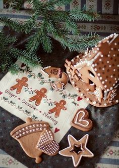 gingerbread houses | merry & bright
