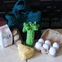 Includes:  market bag in your choice of color  6 eggs egg carton  bread celery  milk cheese  Please be sure to let me know what color you want you r bag during check out!  pattern credit:http://www.ravelry.com/patterns/library/grocery-shopping