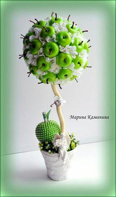 Crea hermosos topiarios con fruta de plástico Cake Bouquet, Asian Photography, Topiary Trees, Elephant Art, Wooden Hearts, Clay Art, Flower Art, Diy Wedding, Fall Decor