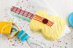 Strum-Along Guitar Cake recipe. Rock Star party must have.