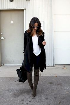 Cool 32 Adorable Winter Outfit Ideas with Boots #Adorable #Boots #Ideas #Outfit #Winter