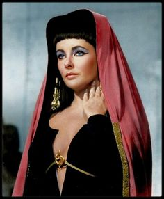 vintage everyday: Rare and Beautiful Color Photos of Elizabeth Taylor Portrayed the Egyptian Queen Cleopatra, 1963