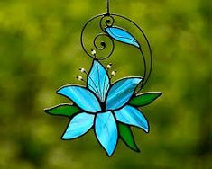 Image result for suncatcher pins Stained Glass Suncatchers, Stained Glass Projects, Stained Glass Patterns, Fused Glass, Stained Glass Ornaments, Broken Glass Art, Sea Glass Art, Shattered Glass, Stained Glass Flowers