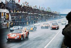 1968 Le Mans 24 Hours, start. The beauty Ferrari 250 LM (14), with Masten Gregory and Charlie Kolb (DNF), chasis #5893 (1964), leads the group.