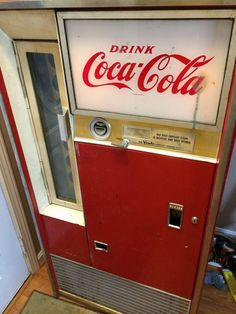 Coke Machine Vendo H63B
