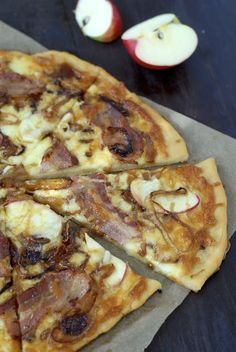 gluten free kumquat: Caramelized Onion, Bacon & Apple Pizza with Salted Maple Drizzle (pizza dough and gf AP flour recipe too) Gluten Free Baking, Gluten Free Recipes, Bacon Pizza, Pizza Pizza, Pizza Dough, Apple Pizza, Carmelized Onions, Flour Recipes, Pizza Recipes